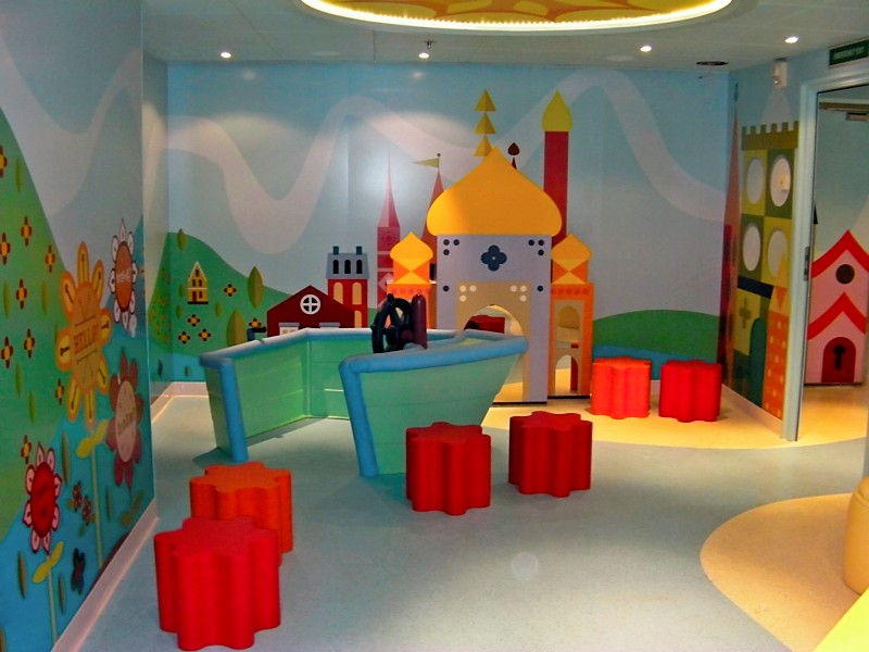 Disney Dream It's a Small World Nursery