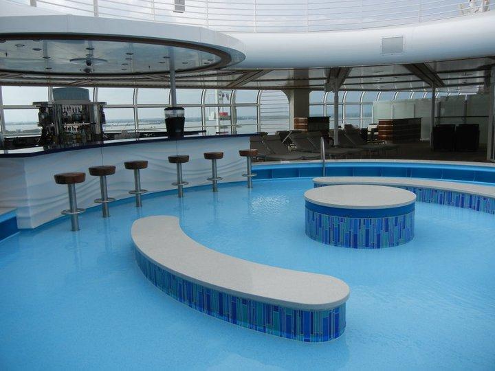 Disney Dream Quiet Cove Pool Bar