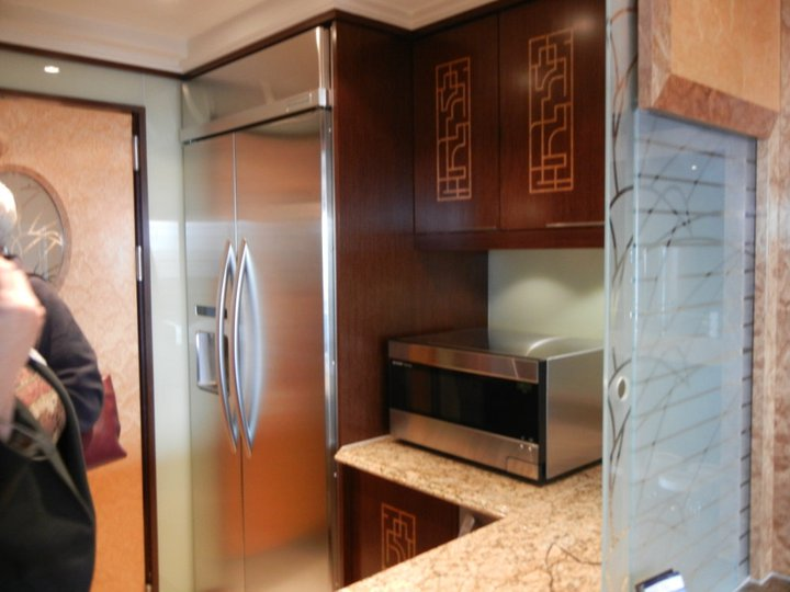 Disney Dream Roy Disney Suite kitchenette