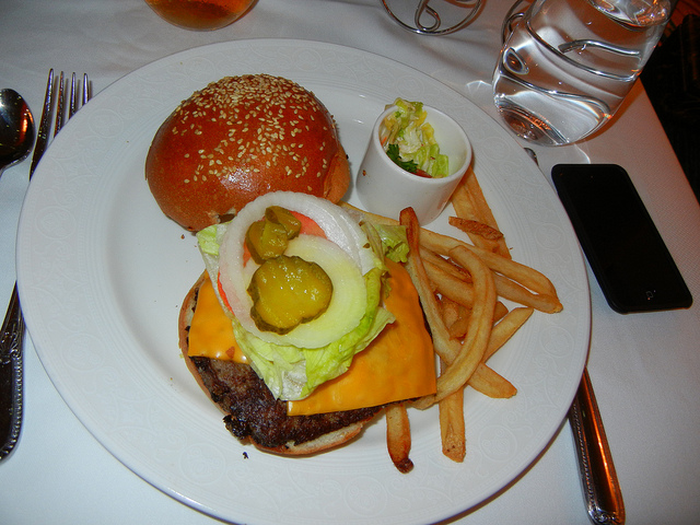 DCL DReam Royal Palace Lunch Angus Chuck Burger