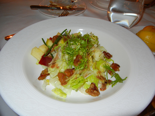 DCL DReam Royal Palace Lunch Apple walnut salad