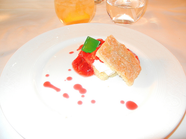 DCL DReam Royal Palace Lunch child's strawberry shortcake