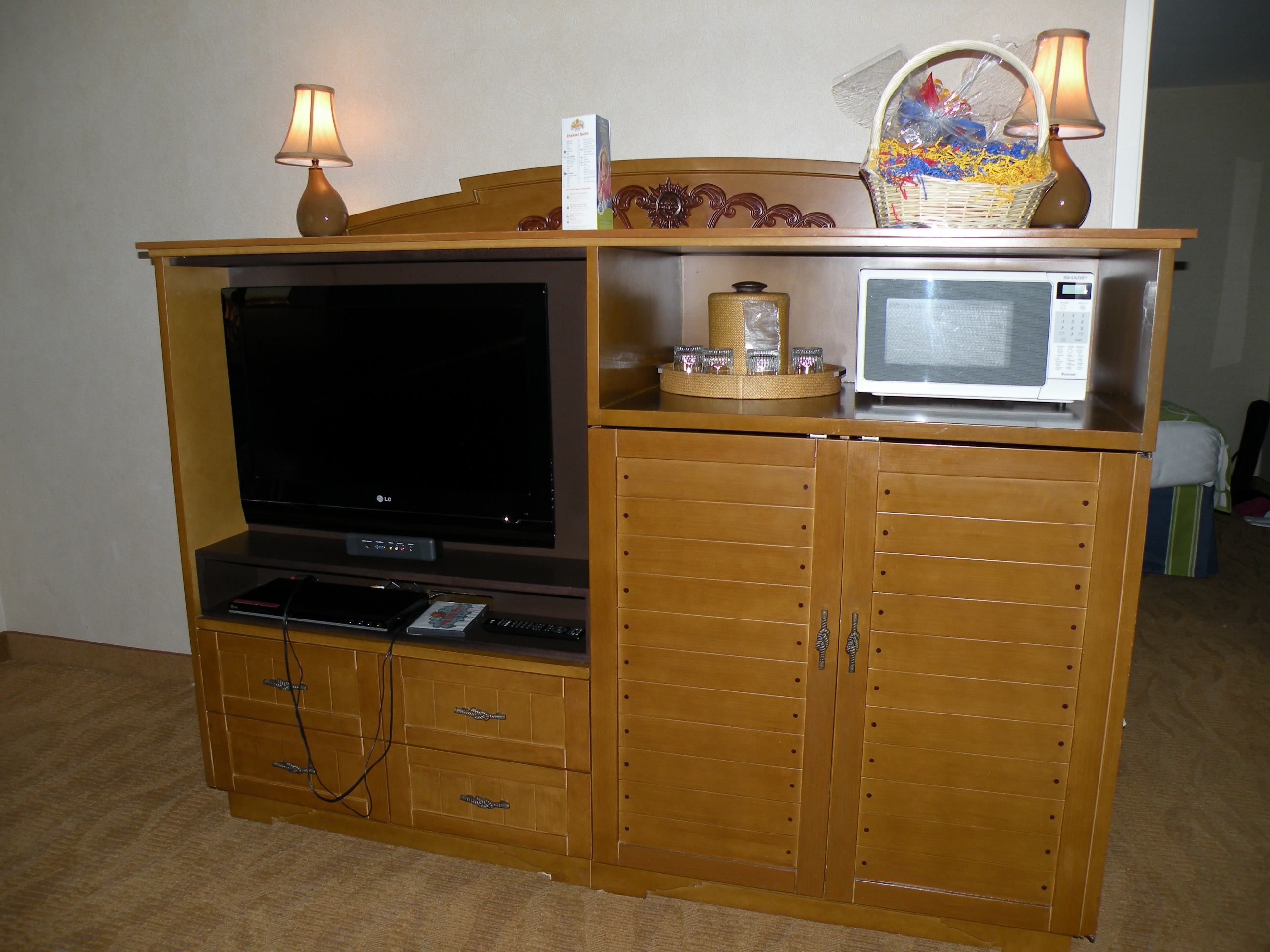 TV and Microwave in Sitting Room