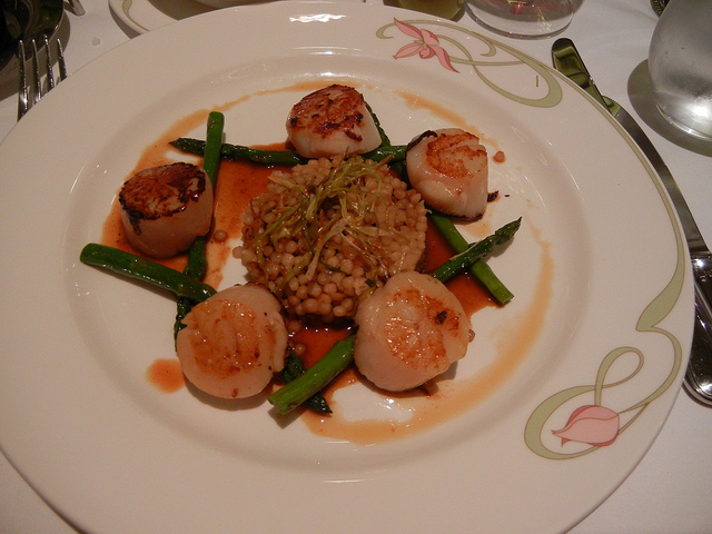 Enchanted Garden Jan 2011 Caramelized Sea Scallops