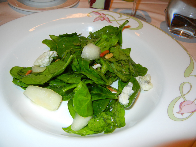 Enchanted Garden Jan 2011 baby spinach salad