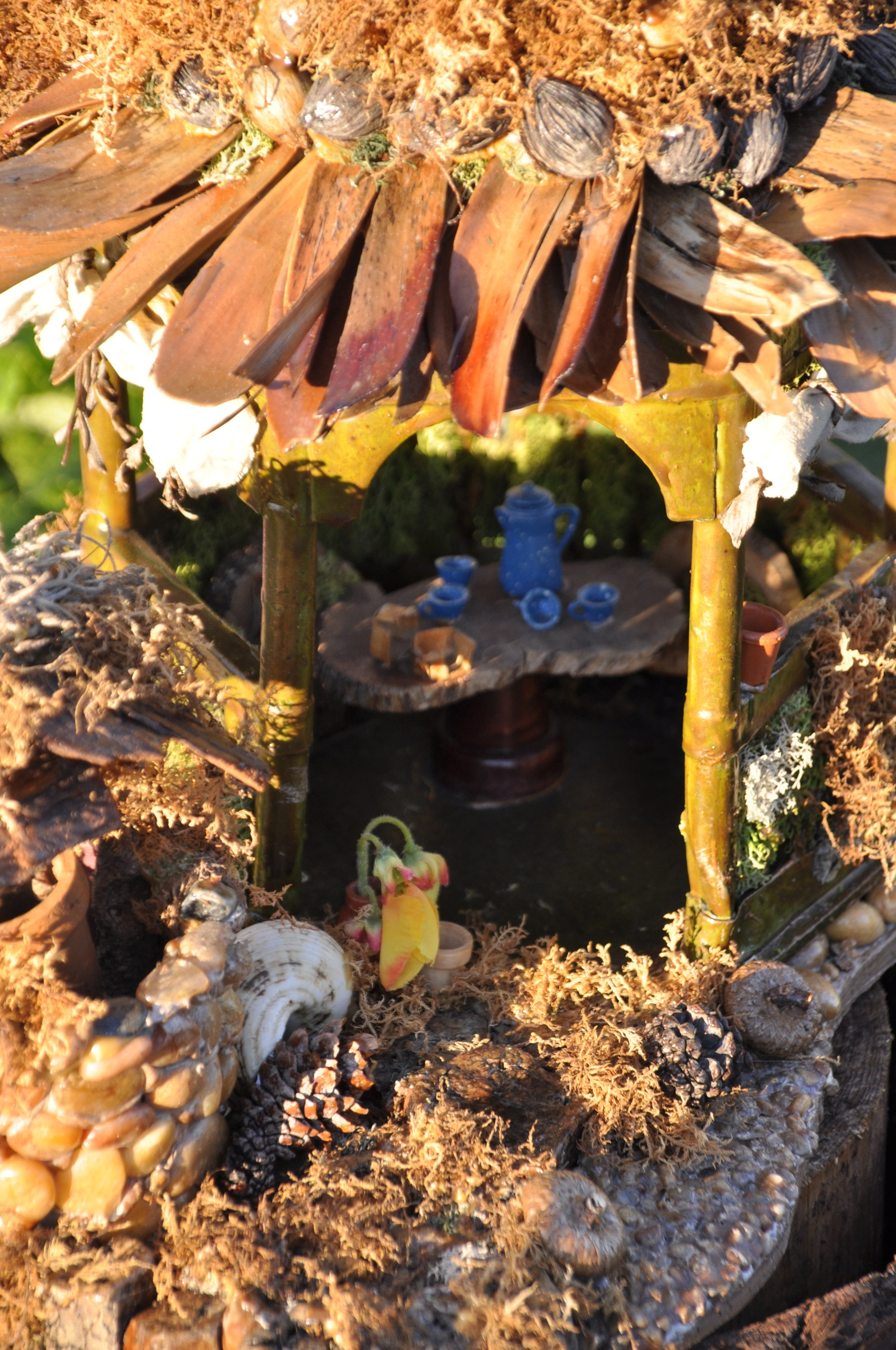 Its hard to try to find all the little houses!