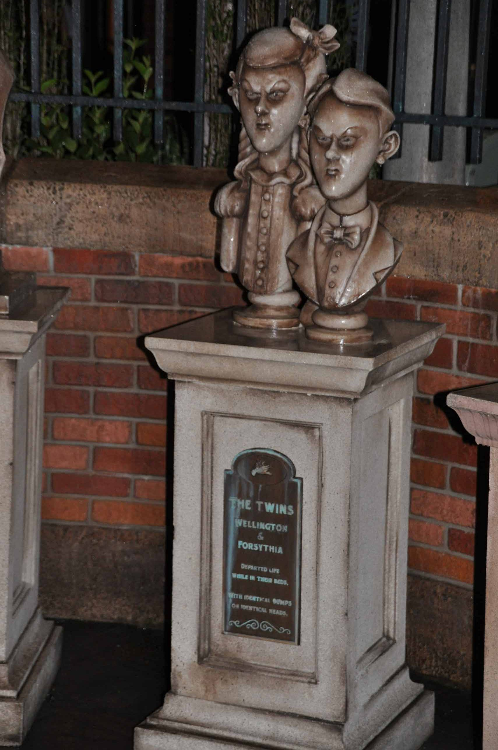 Haunted Mansion Queue - The Twins