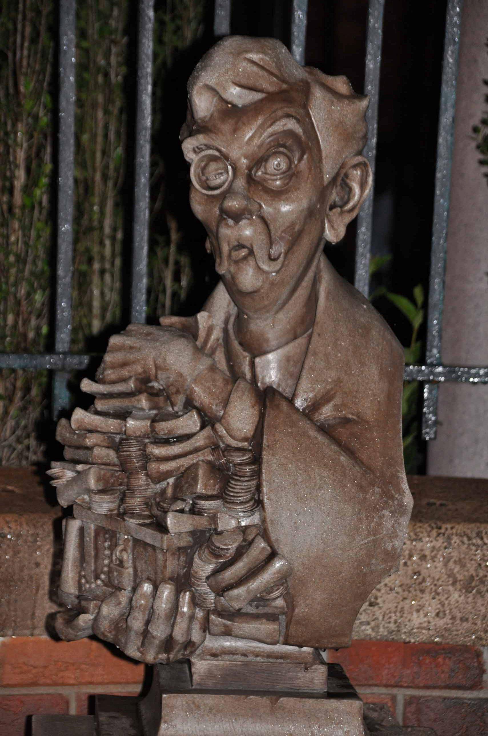 Haunted Mansion Queue - Uncle Jacob