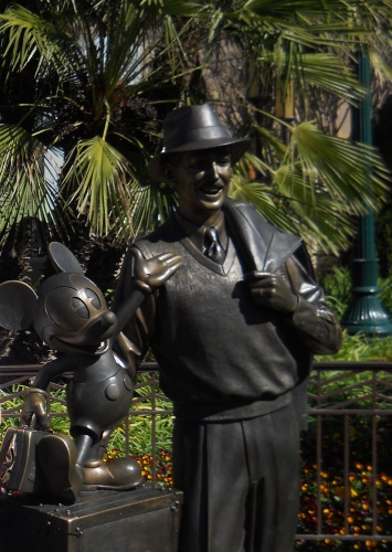 Walt and Mickey welcome us to California Adventure