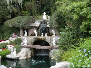 Snow White's Grotto in Disneyland