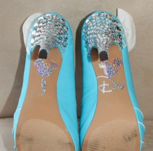 Brides shoes with a touch of Disney added