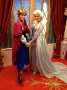 Frozen - Anna and Elsa