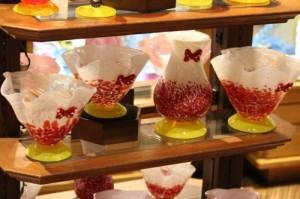 Beautiful Minnie-themed glass.