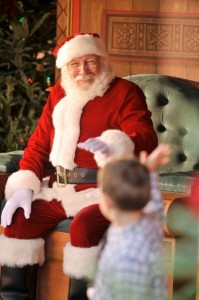 Santa greets kids DTD @Disney