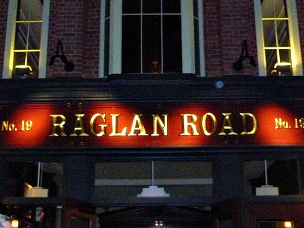 Raglan Road Sign