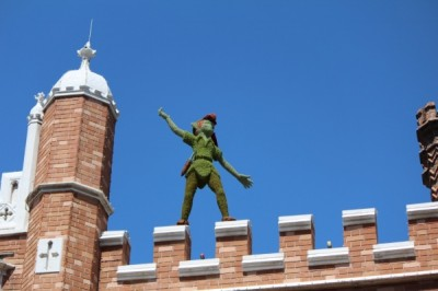 Yes, there was even a Peter Pan topiary hiding on top of a building.