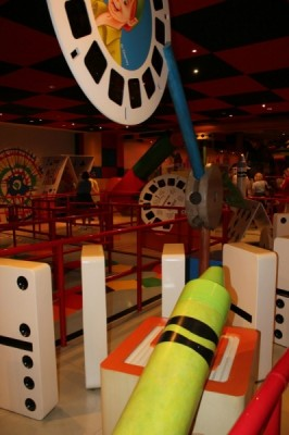 Queue of Toy Story Mania