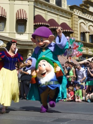 Festival of Fantasy Parade Disney Characters (8)
