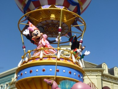 Festival of Fantasy Parade Mickey Minnie Float (1)