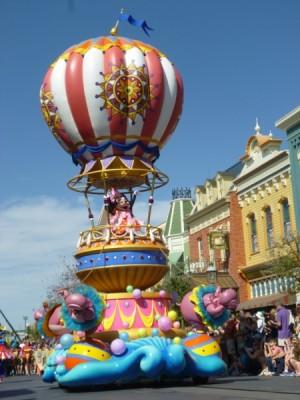 Festival of Fantasy Parade Mickey Minnie Float (4)