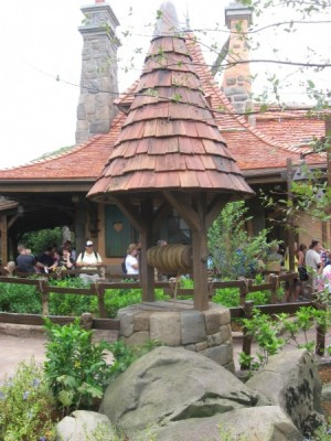 Enchanted Tales with Belle New Fantasyland (3)
