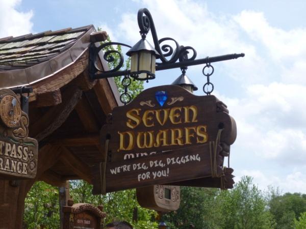 Seven Dwarfs Mine Train (16)