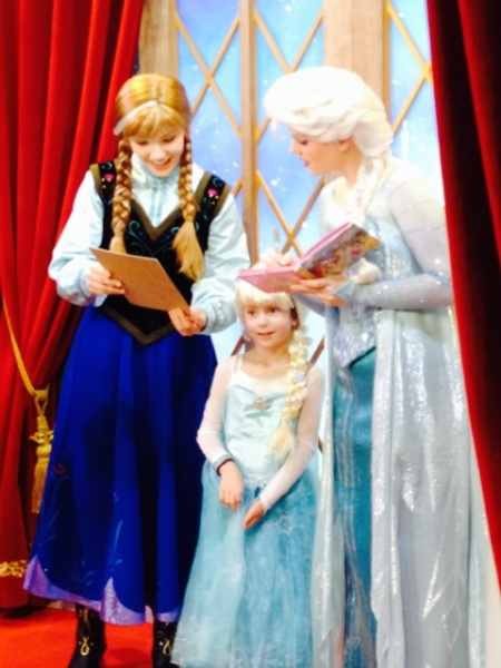 Anna and Elsa at Norway - Epcot