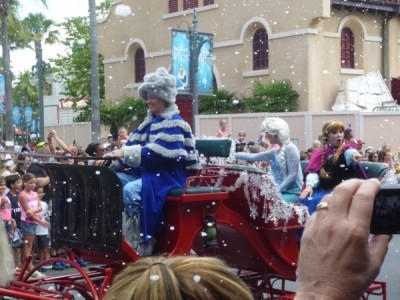 Frozen Summer Fun Live Hollywood Studios Royal Welcome (24)