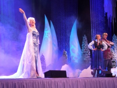 Frozen Summer Fun Live Hollywood Studios Sing Along (37)
