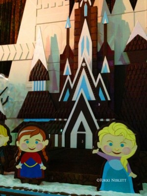 Gingerbread Anna and Elsa at Disney's Conteporary
