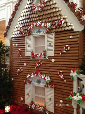 Gingerbread House Details of House