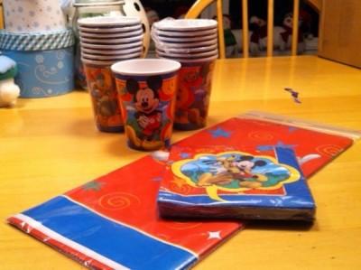 Cups, Napkins & a Tablecloth