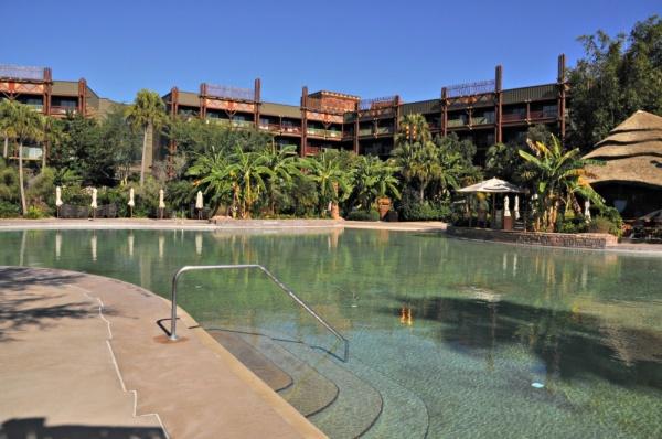 AKL Pool Real
