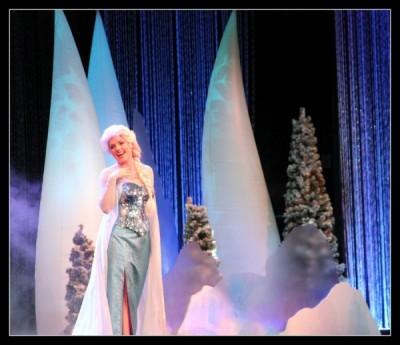 keeping cool Elsa