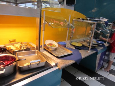 Chef Mickey's Buffet 1