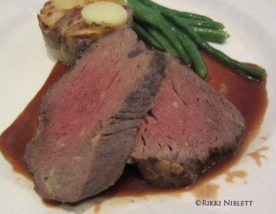 Chateaubriand-Roasted Filet Steak from Royal Palace