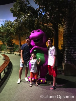 Barney meet and greet at Woody Woodpecker's Kidzone