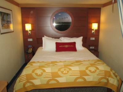 DCL queen bed (2)