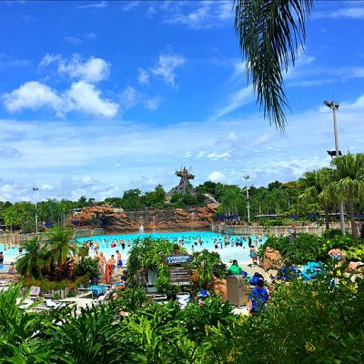 typhoon-lagoon-surf-pool