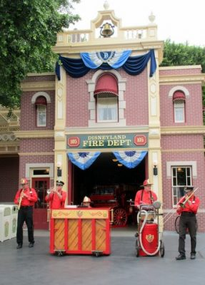 Main Street entertainment at Disneyland