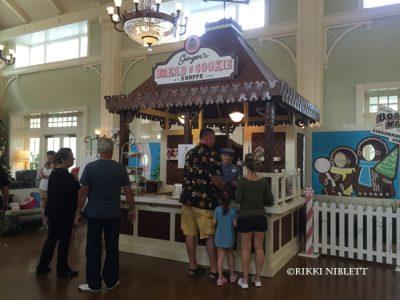 gingerbread-display-boardwalk