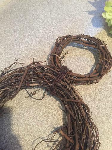 How to make a Mickey Head Wreath