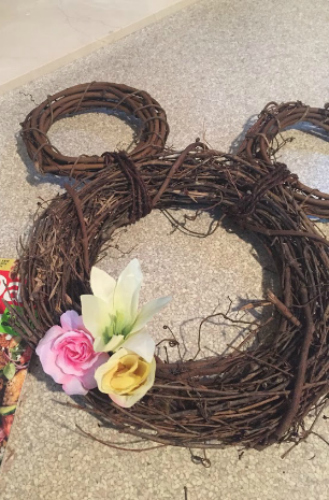 How to make a Mickey Head Wreath