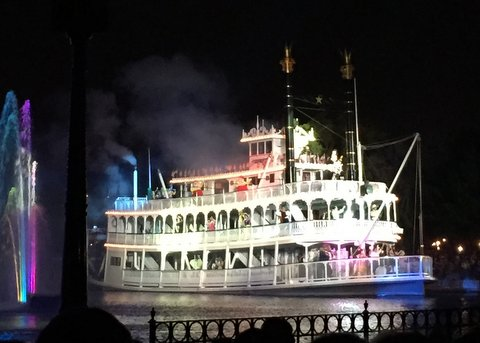New Fantasmic at Disneyland