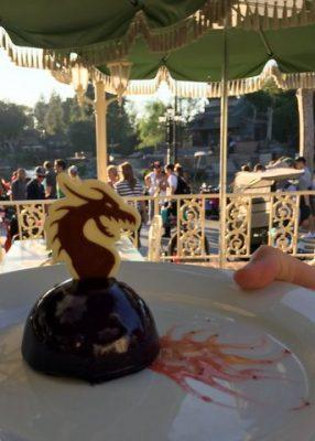 Fantasmic dining package at Disneyland