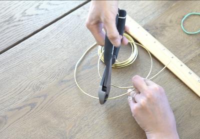 DIY Mickey Wire Ears Wire Cutting