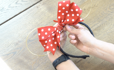 DIY Mickey Wire Ears Bow Securing