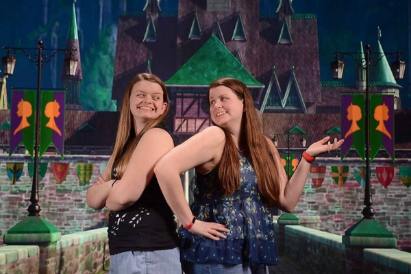 PhotoPass Studio - Anna and Elsa Coronation Day