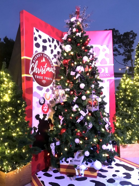 Christmas tree themed to 101 Dalmatians