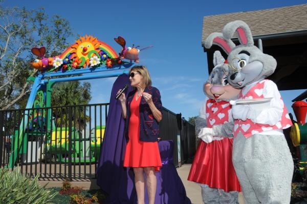 Kelly's Sunny Swing is dedicated by Pamela Landwirth